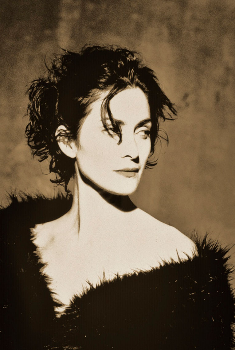 carrie-anne-moss-sepia-